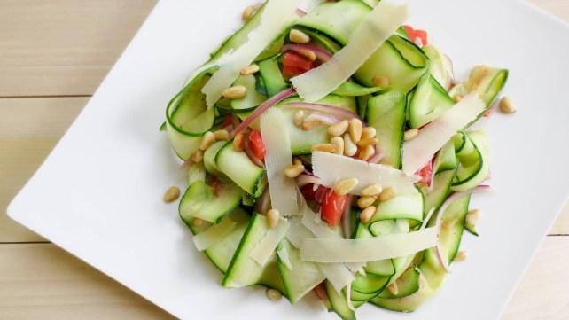 Salade de courgettes aux pignons de pin