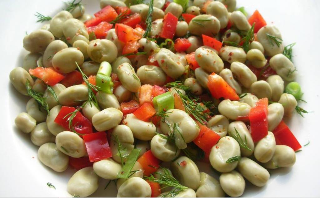 Salade de fèves et de poivrons